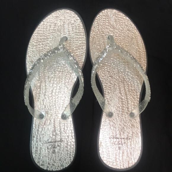 Shoes - Silver glitzy Sandles
